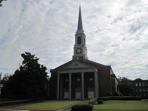 Another Baptist Church Votes to Approve Gay Marriage